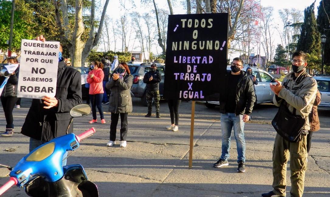 Protesta de comerciantes en Villa Gobernador Gálvez.