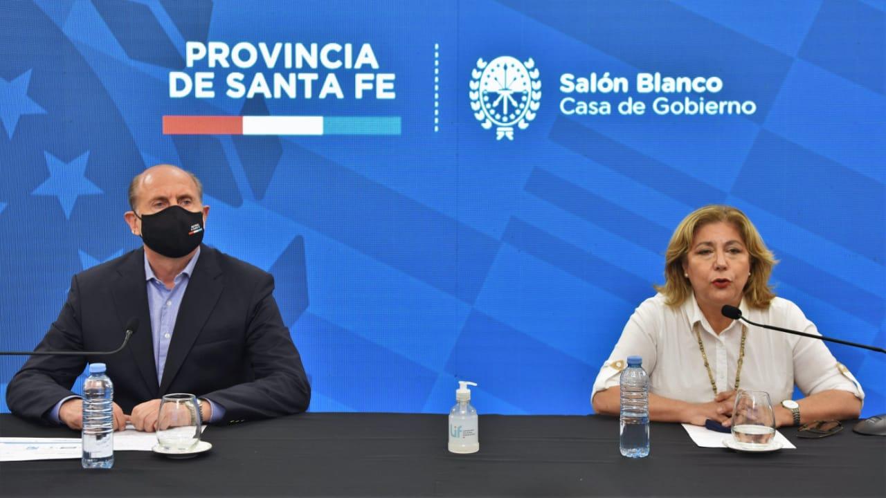 Perotti acompañó a Martorano en la conferencia de este domingo.