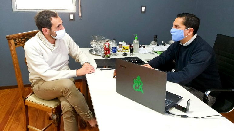 Julián Vignati -a la izquierda- recibió su diagnóstico positivo para covid.