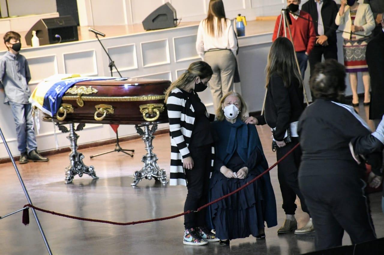 Ceremonia de despedida del pastor. (Foto: Rosario Plus)