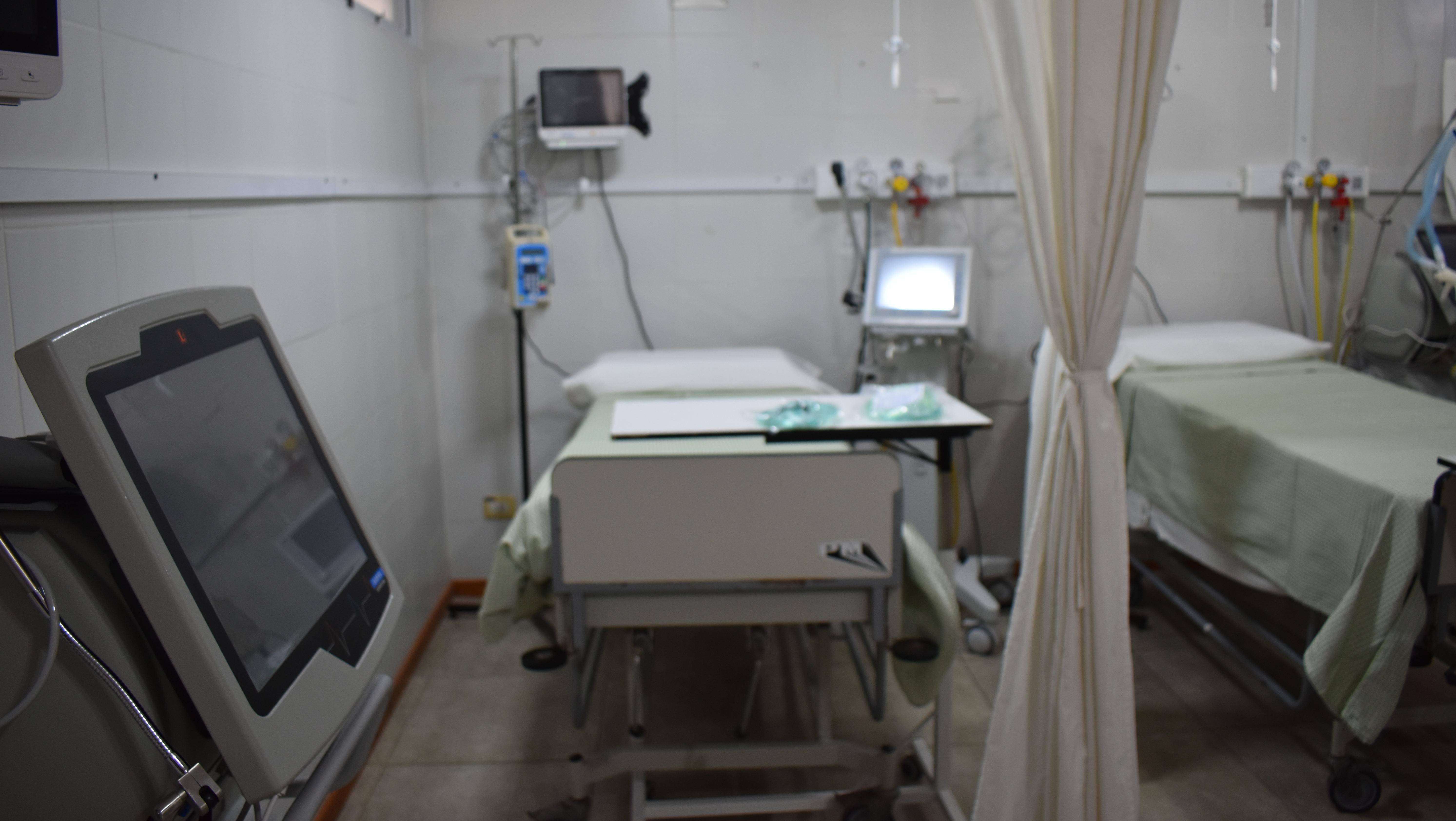 Recorrimos la nueva sala de terapia intensiva del hospital San Carlos.