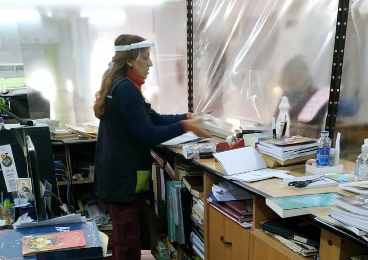 En la reapertura se acondicionó la Alberdi para recibir devoluciones de libros y poner en cuarentena.