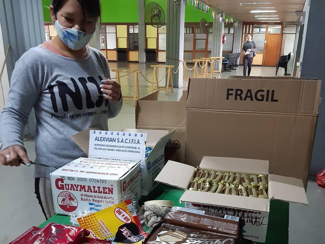 La colecta solidaria en La Vigil es permanente, para vecinos y comedores de la ciudad.