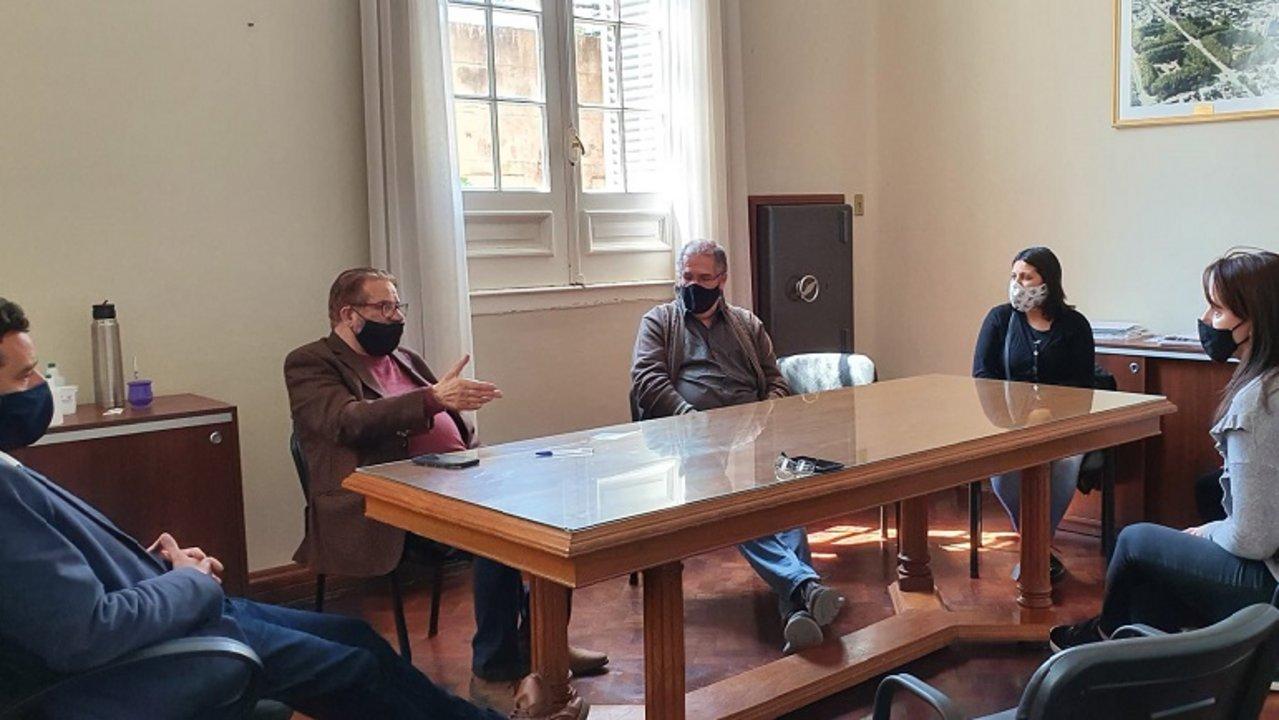 El encuentro reunión a Amsafé Caseros, el Senador Rosconi, y el Intendente Golosetti.