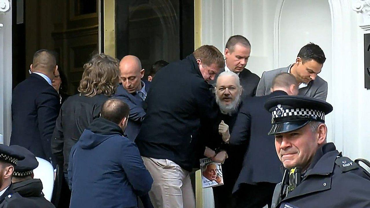 WikiLeaks fue fundada por Assange en 2006 y se especializaba en difundir información secreta.