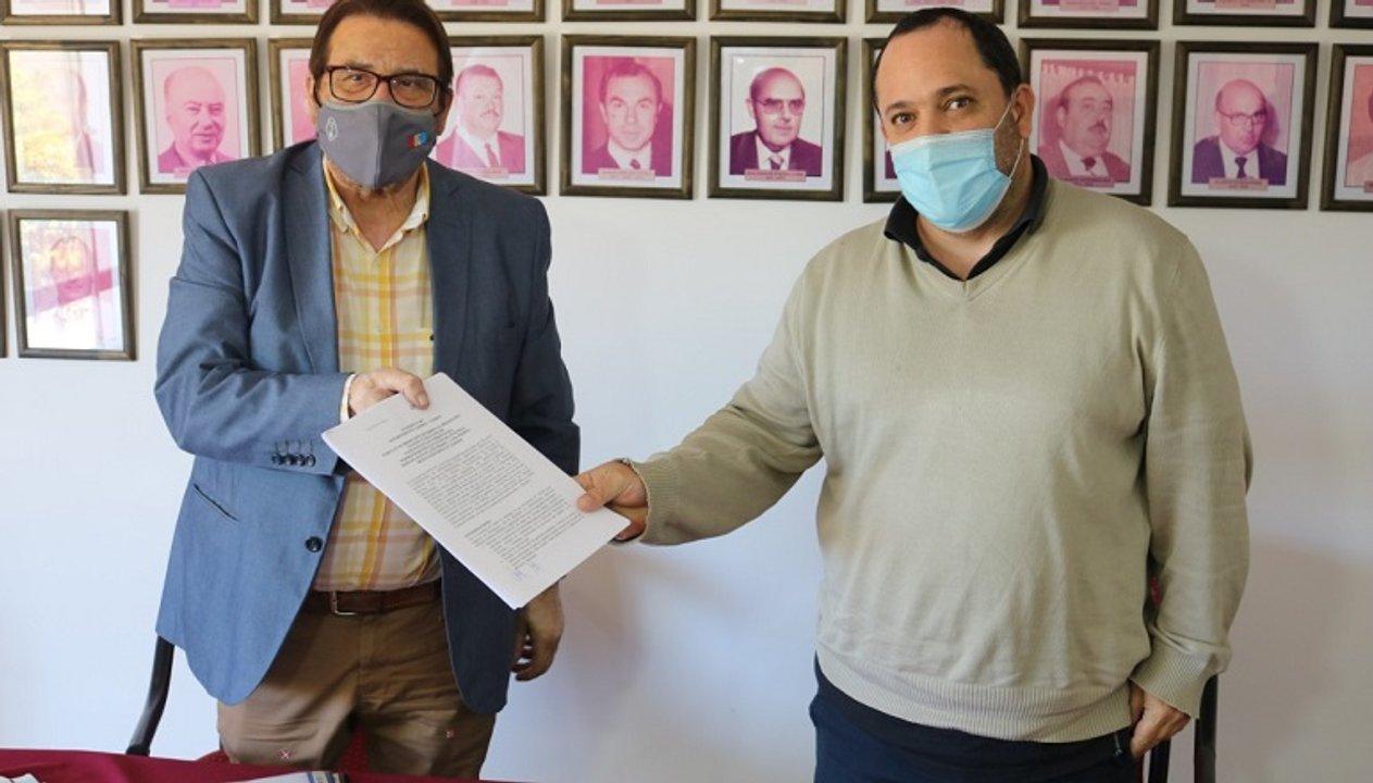 Rosconi junto al jefe de Comuna de Chabás, Lucas Lesgart.