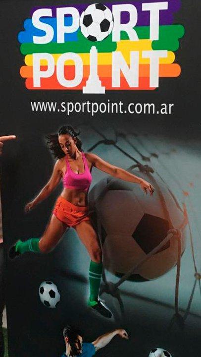 El afiche con que se promocionaba la supuesta escuela de fútbol