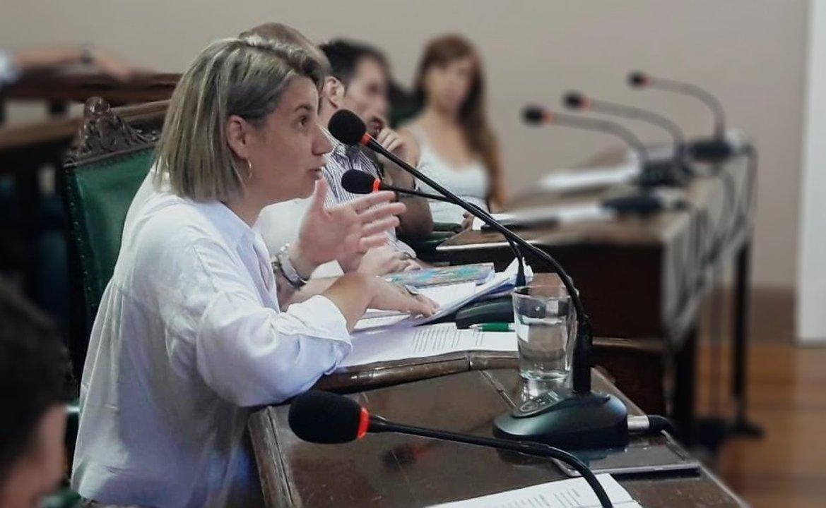 Manuela Bonis en el Concejo Municipal.