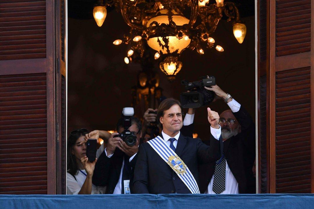 Luis Lacalle Pou asumió la Presidencia de Uruguay en una ceremonia en el Palacio Legislativo.