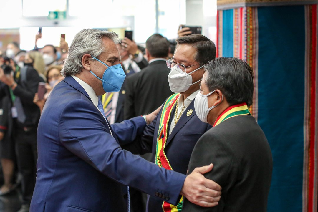 Alberto Fernández viajó hasta Bolivia para felicitar a la ganadora Arce-Choquehuanca.