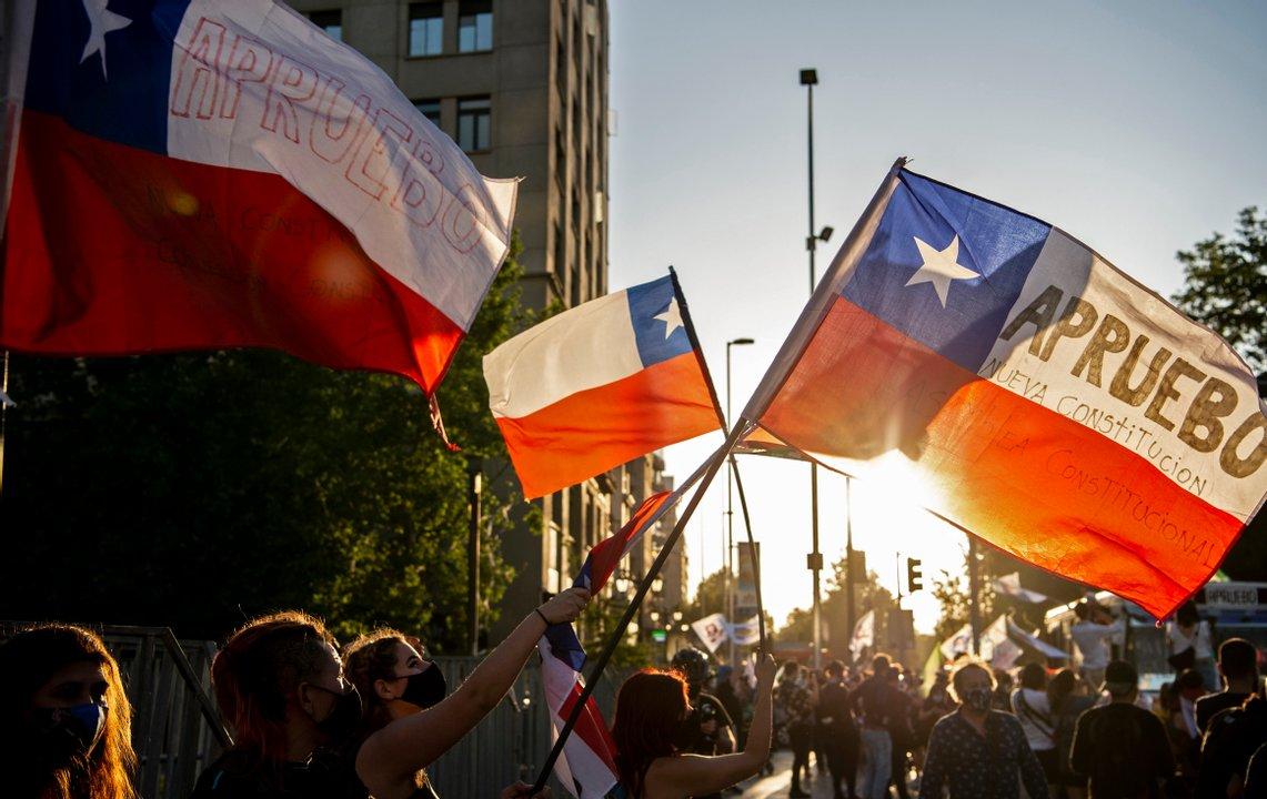 Chile en una de las jornadas en que una gran cantidad heterogénea de ciudadanas y ciudadanos salió a reclamar la renuncia del presidente Sebastián Piñera.