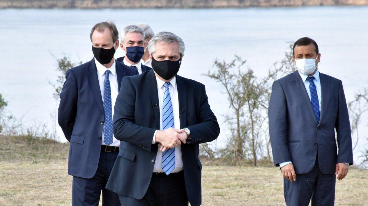 El presidente y siete gobernadores estuvieron este año en Punta Quebracho para anunciar el Consejo Federal de la Hidrovía.
