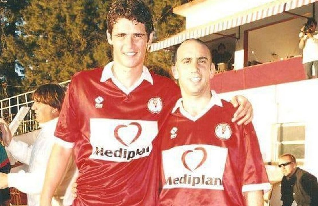 Fede Arias junto a Gustavo Bruzzo. Otro ex entrenador de Huracán.
