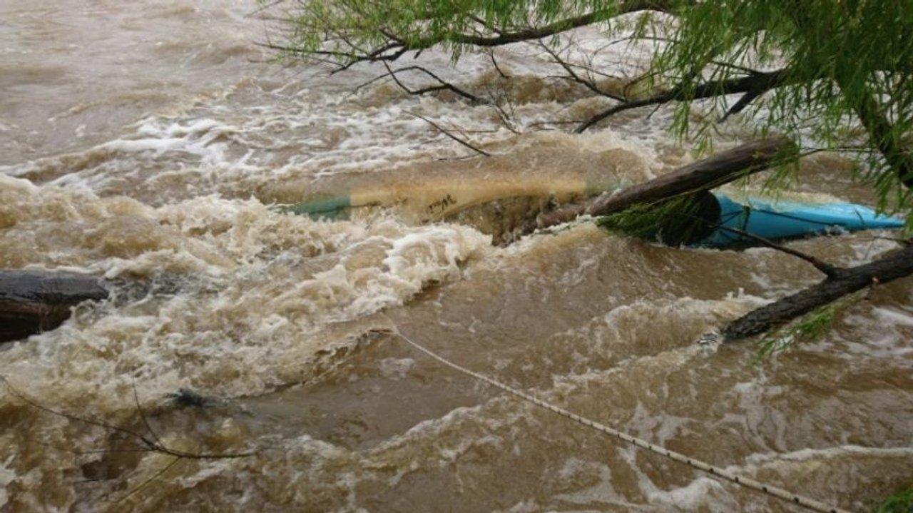 El kayak atascado fatalmente en el río turbulento de aquel 16 de marzo de 2019.